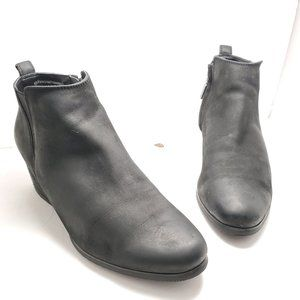 Blondo | Ida Waterproof Black Nubuck Ankle Booties